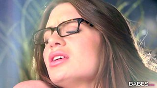Playful brunette chick in glasses Veronica Vain gets great pussy licking