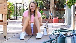 Blonde public upskirt panties