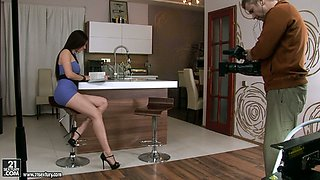 Cheating housewife Mire fucks her black stud in the living room