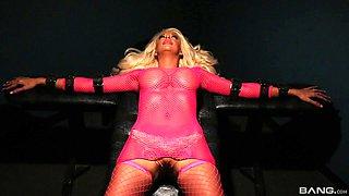 Lusty blonde Courtney Taylor enjoying a big pulsating manhood