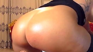 Close up of big round ass asshole fat chubby cameltoe pussy