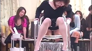 Japanese girls drown their slave in piss