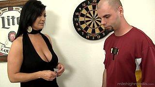Fantastic tanned big breasted MILF Sammy Brooks impresses stud with BJ