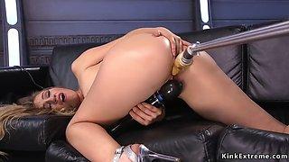 Hot ass blonde cumming on fucking machine
