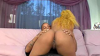 Luscious Kisses is a babe with yellow hair who likes to fuck