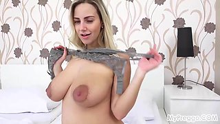 Nathaly Makes Herself Cum with a Vibrator!