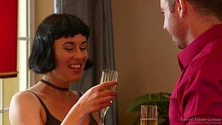 Brunette stunner Olive Glass having a wonderful time fucking