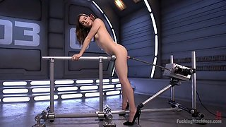Crazy sex machine makes Kasey Warner's twat stretched and dripping