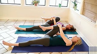 Cameltoe show with two sexy yoga trainers