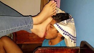 Slave worship feet, hard stomping. Goddess Leia