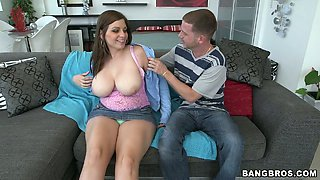 Big natural size of her titties attracted a horny guy