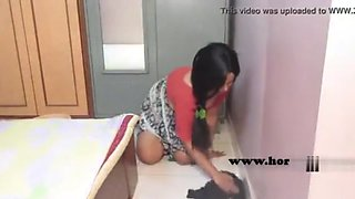 desi maid with no panties