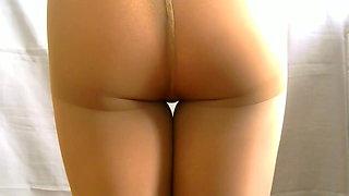 crossdresser pantyhose and brown panties 001