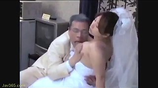 Japanese aged husband and young wife (full: bit.ly2c1a9lp)