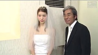 Ayntritli japanse bruid wordt geneukt door echtgenoot vriend