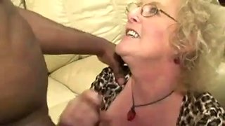 Mom fucked by bbc