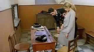 La bambola del fuhrer (1995)