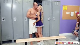 smoking hot babe lyra law pussy penetrates a huge cock