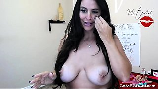 Fuck Machine And Gorgeus Black Haired Dumpster