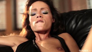 Gorgeous Simony Diamond tests her new toys with a lovely friend
