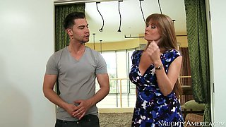 Sexy mommy with big boobs Darla Crane gives blowjob to Seth Gamble
