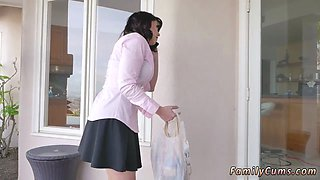 A gorgeous milf is being trapped between doors and two studs abused that situation and fucked her