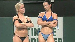 Wrestler Dia Zevra and sexy babe Wenona struggle each other badly