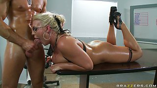 Hardcore anal pounding action in Sadie Swede's asshole