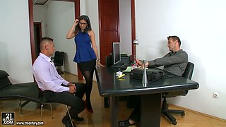 Awesome Spanish secretary Julia de Lucia gets double penetrated after business meeting