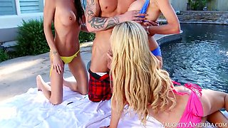 emma starr, jessica jaymes, and nikki benz sucking richie by the pool