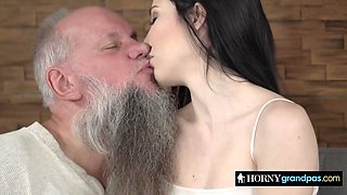 Fat boner drilling shaved cunt