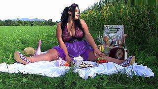 The Sweet Busty Latex Lady - Outdoor Picknick Blowjob Handjob - Cum on my Tits