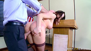 American brunette is so horny that she wants to have sex on the table!