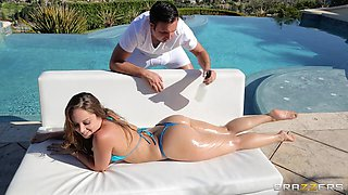 Bikini Babe Gets Anally Fucked In The Sunshine