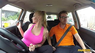 Blonde falls victim to a horny taxi driver