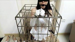 Chinese Bride Bondage in Cage