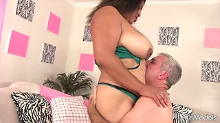 BBW Lady Spice takes fat cock