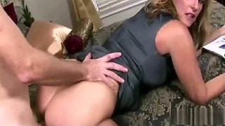 Mom let son fuck her to help him with his boner Complete Video Link - http://landshow.fun