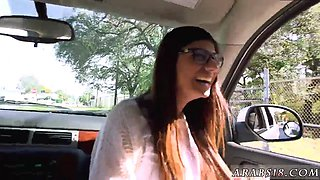 Arab car first time Mia Khalifa Tries A Big Black Dick