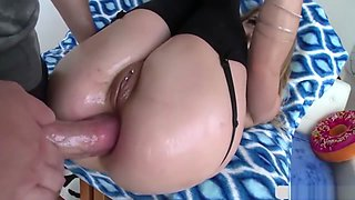 Hot Alana Summers Knows How To Make A Big Cock Cum