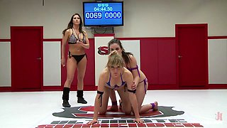 Juliette March Get Rough With A Young Hot Rookie, Sex Wrestling Style - Publicdisgrace