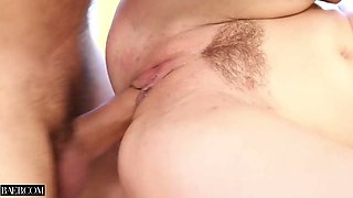 Kinky hottie Anya Olsen gets her soaking pussy drilled on kitchen counter