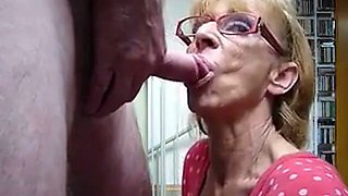 Mature Girl Sucking Dick