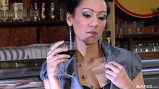 Leonelle Knoxville a hot brunette are happy to choke on a dick