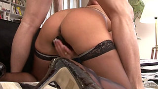 XY CUCKOLD WIFE ENJOYS WITH  EVERITHING HD